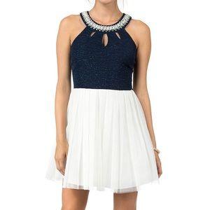 Sleeveless Pearl Embellished Glitter Knit Dress